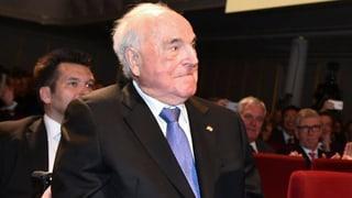 Altbundeskanzler Helmut Kohl liegt auf der Intensivstation