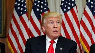 Donald Trump vul deportar immigrants illegals
