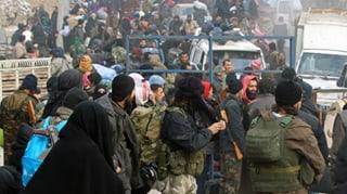 Evakuierung von Menschen in Ost-Aleppo wieder aufgenommen