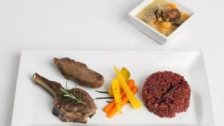 Lammvariation mit Füürgrüebler-Sauce, Randen-Risotto und Gemüse