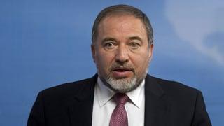 Israels Aussenminister tritt zurück
