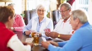 Gemeinsam alt werden: Am Tisch einer Alters-WG