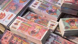 Auch kommunistische Beamte erliegen dem Reiz des Geldes