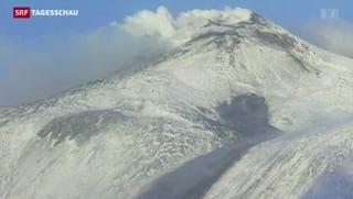 Vulkan Ätna spuckt wieder Glut und Asche