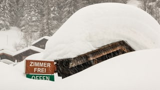 In den Alpen liegt gebietsweise so viel Schnee wie 1999