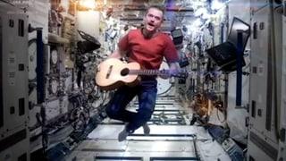 Singender ISS-Astronaut sagt goodbye