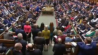Video «Reaktionen Europas zum Brexit-Nein im Unterhaus» abspielen