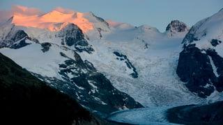 Künstlicher Schnee soll Morteratsch-Gletscher retten