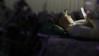 Schlafstörung wegen LED-Displays: So kann man sich schützen