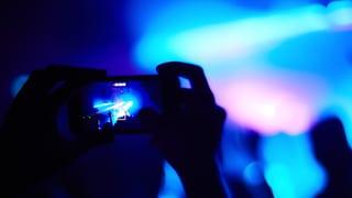 Nervende Handys an Konzerten: Macht Apple den Blick frei?