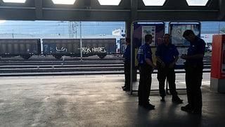 Die Schweizer Polizei wartet auf die Flüchtlinge