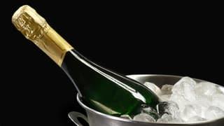 Prosit Neujahr! Champagner trinken mit Stil