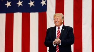 Trump tritt vor seine Anhängerschaft und redet über sein Lieblingsthema: «Fake News».