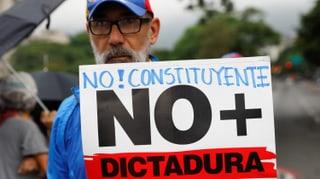 Parlament lehnt Pläne Maduros ab