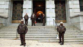 Tod von Freddie Gray – Prozess gegen US-Polizisten beginnt
