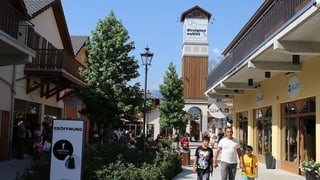 Bündner Regierung bleibt dabei: Outlet sonntags geöffnet