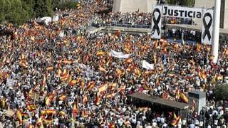 Spanien: Riesendemo gegen Freilassung von ETA-Terroristen