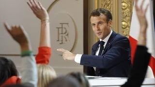 Macron geht auf die Franzosen zu