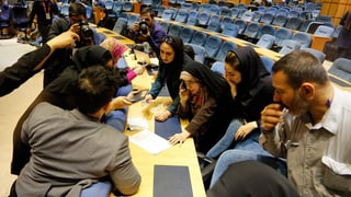 Elecziuns en l'Iran: Ils refurmaturs èn ils victurs