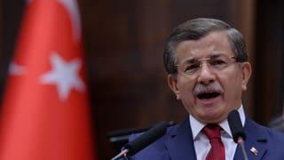 Cumbat da pussanza en Tirchia: primminister Davutoglu dat si