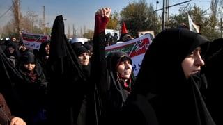 Regime-Anhänger gehen auf die Strasse