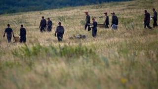 Schuldzuweisungen, Trauer und Wut nach MH17-Absturz