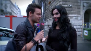 Mit Tobias am Conchita-Lookalike-Contest