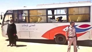 Bei einem Angriff bewaffneter Männer auf einen Bus mit koptischen Christen sind in Ägypten mindestens 28 Personen getötet worden.
