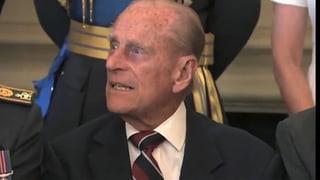 Geduldsfaden gerissen: Prinz Philip flucht bei Fototermin