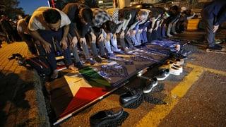Tausende Palästinenser trauern um Getötete