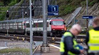 Bahnstrecke Bern-Freiburg wieder befahrbar – Wasserpegel kritisch