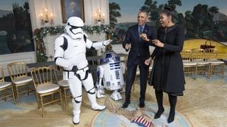 Obamas legen mit Stormtroopern ein Tänzchen hin