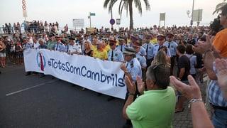 Auch in Cambrils haben über 16'000 Personen an einer Demonstration für den Frieden teilgenommen.