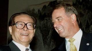 Ogi besänftigte Jiang Zemin mit Kristall