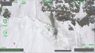 Rettungskräfte bergen toten PC-7-Piloten
