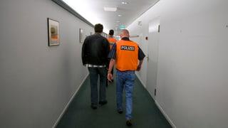 Straffällige Ausländer müssen trotzdem mit Ausschaffungen rechnen