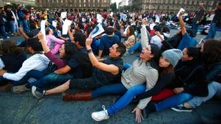 Gewalttätige Demonstrationen nach Geständnis zu Studentenmorden
