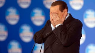 Berlusconi: Augenarzt statt Gerichtsverhandlung