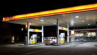 Öffnungszeiten von Tankstellenshops an Berner Autobahnen bleiben