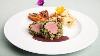 Filet vom Galloway-Beef im Kräutermantel mit Tagliatelle