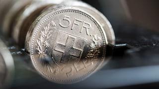 Parlamentskommission will mehr sparen