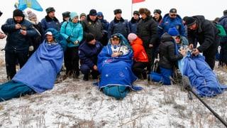 Sojus-Kapsel mit ISS-Raumfahrern ist zurück