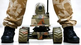 Wie Kampfroboter den Krieg humaner machen sollen