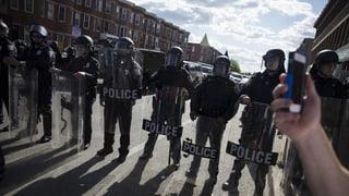 Afroamerican mora suenter arrestaziun tras polizia