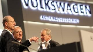 Acziunaris da VW sustegnan la direcziun