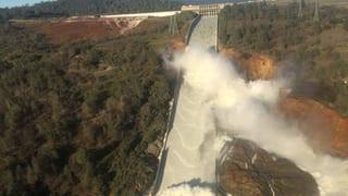 160'000 persunas evacuadas a California