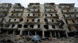 Syrische Armee nimmt Ost-Aleppo unter Artilleriefeuer