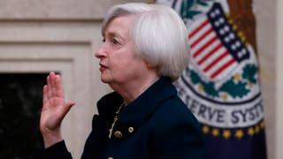 Yellen nimmt auf FED-Chefsessel Platz