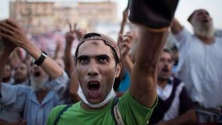 Gespannte Lage in Kairo – Mursi-Anhänger trotzen Räumung