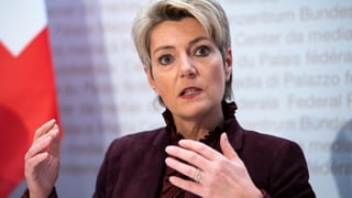 Karin Keller-Sutter steht unter Beschuss